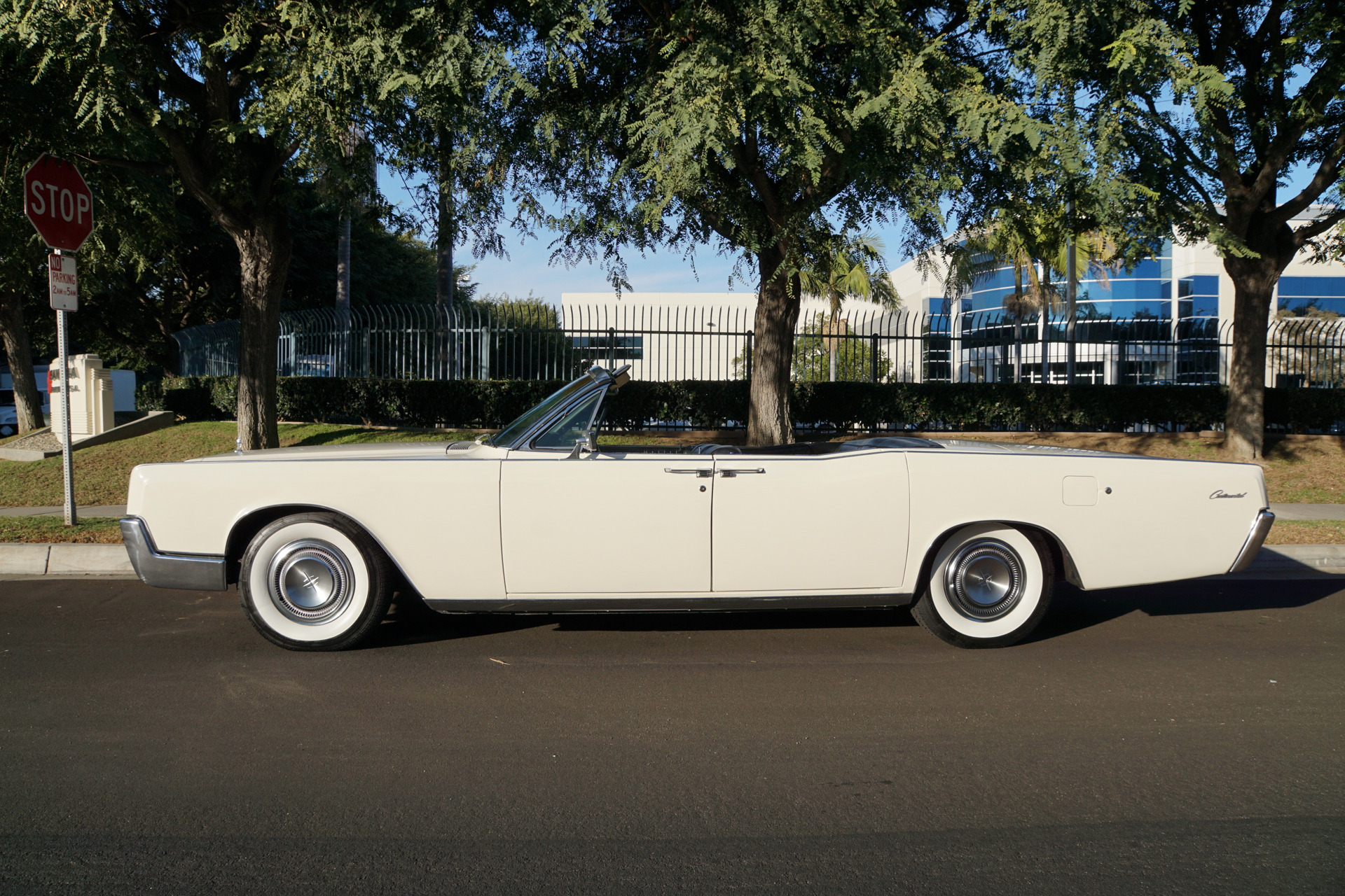 1967 lincoln continental 4 door convertible stock 789 for sale rh thewestcoastclassics com 1965 Lincoln Continental 1965 Lincoln Continental